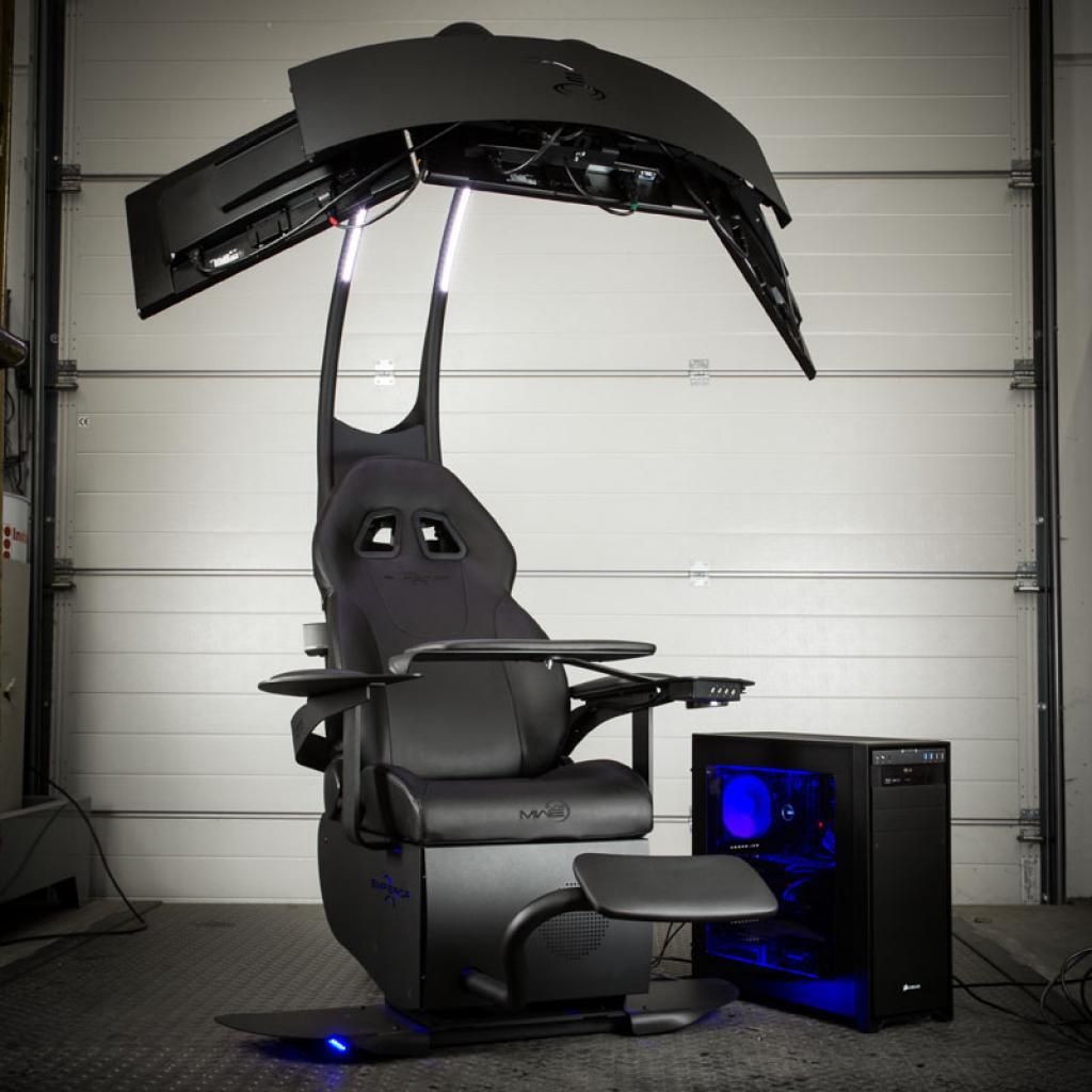 MWE Lab Emperor Chair 1510 Einstellbarer Sessel mit Soundsystem für drei Monitore für 5 000 Euro