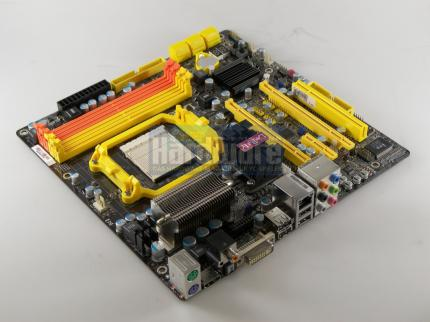 The compact DFI board Lanparty JR 790GX-M2RS with 790GX chipset is compatible to AMD's 45 Nanometer CPUs. (picture: PCGH)