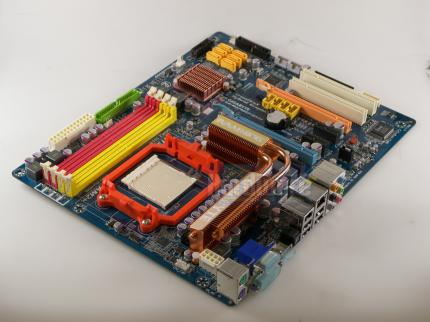 Gigabyte MA790GP-DS4H, Chipsatz: 790GX