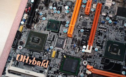 Hybrid motherboard from DFI: P45 + Ion (11)