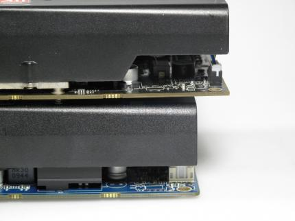 Vapor-X Rev.1 vs Rev. 2: The PCB of the old card (above) is one centimeter longer than the new one (below).