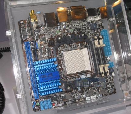 Asus M4A88T-I Deluxe 01
