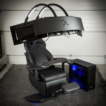 Mwe Lab Emperor Chair 1510 Einstellbarer Sessel Mit Soundsystem Für Drei Monitore 5 000 Euro