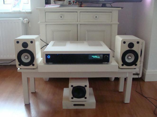 eigenbau macht's möglich: maxi-hardware in mini-gehäuse - jetzt, Wohnzimmer