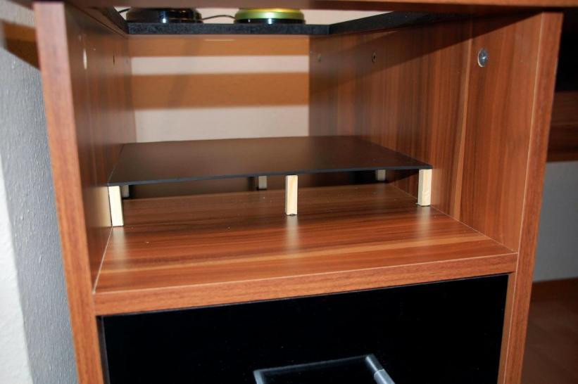 sch ner wohnen casemod der wak pc im schreibtisch bildergalerie bild 29. Black Bedroom Furniture Sets. Home Design Ideas