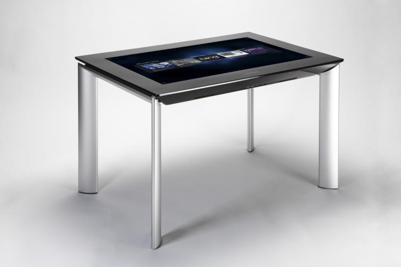 samsung sur 40 touchscreen tisch mit surface 2 0 f r euro hands on video von der ces. Black Bedroom Furniture Sets. Home Design Ideas