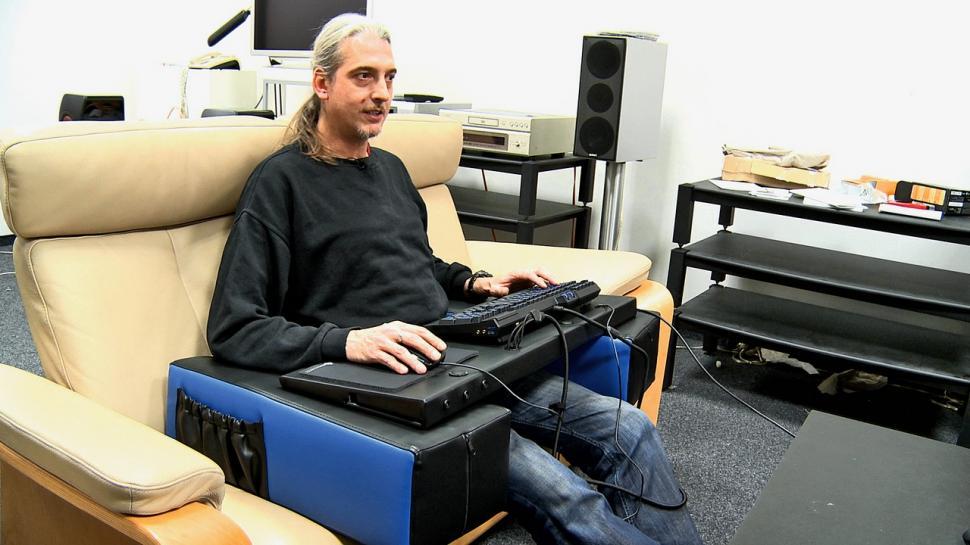 Spielekonsolen sind tot lang lebe der wohnzimmer pc die for Couch koop ps4