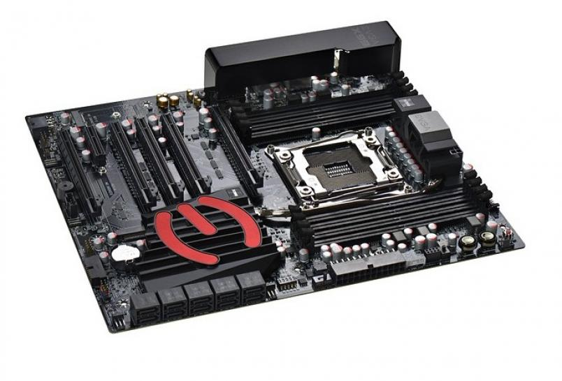 Update: EVGA X99 Classified offiziell
