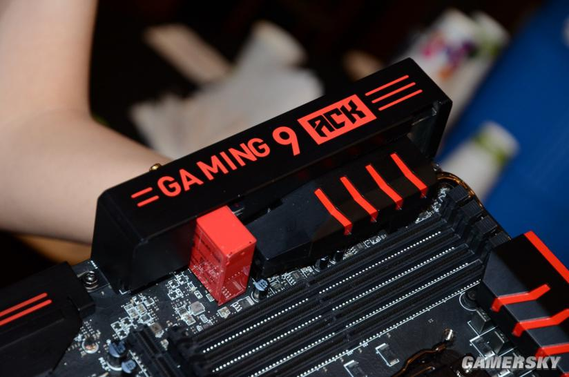 MSI X99S Gaming 9 ACK: High-End-Mainboard mit Killer-WLAN und Streaming-Engine (2)