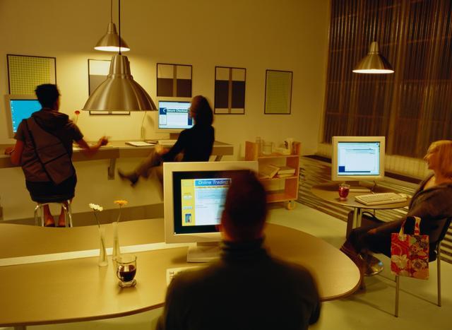 verbraucherzentrale warnt vor live auktionen. Black Bedroom Furniture Sets. Home Design Ideas