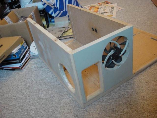 matmade142s holz casecon wassergek hlte detailarbeit update gl ck im ungl ck beim lochblech. Black Bedroom Furniture Sets. Home Design Ideas