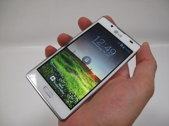 lg optimus l7 im test android 4 0 smartphone mit 4 3 zoll. Black Bedroom Furniture Sets. Home Design Ideas