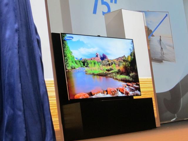 ifa samsung zeigt 75 zoll fernseher und 55 zoll oled ger t. Black Bedroom Furniture Sets. Home Design Ideas