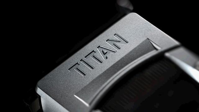 erster komplett pc mit gtx titan in triple sli kostet rund euro. Black Bedroom Furniture Sets. Home Design Ideas