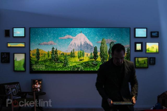 microsoft zeigt ma geschneiderten 4k fernseher mit 120. Black Bedroom Furniture Sets. Home Design Ideas