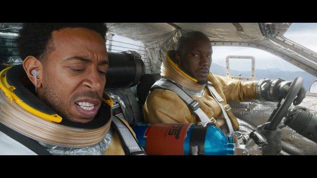 Fast-Furious-9-Im-neuen-Trailer-geht-es-mit-fliegenden-Autos-Richtung-Weltall