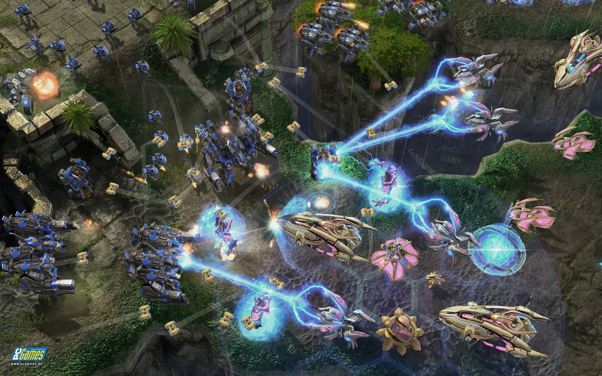 Starcraft 2: Wings of Liberty - large combats with many units and