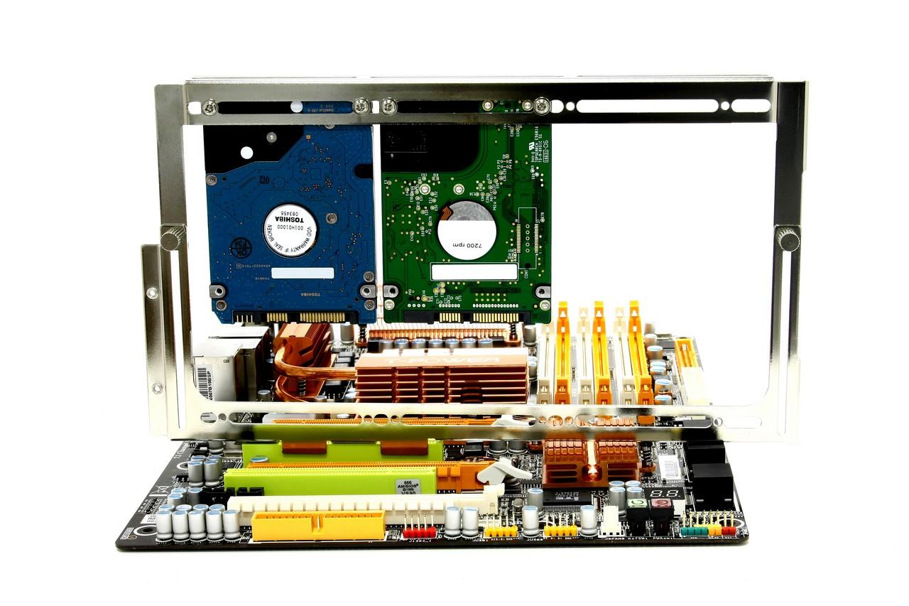 Scythe Kama Stay: Variabler Lüfter- und HDD/SSD-Rahmen für den PCI ...