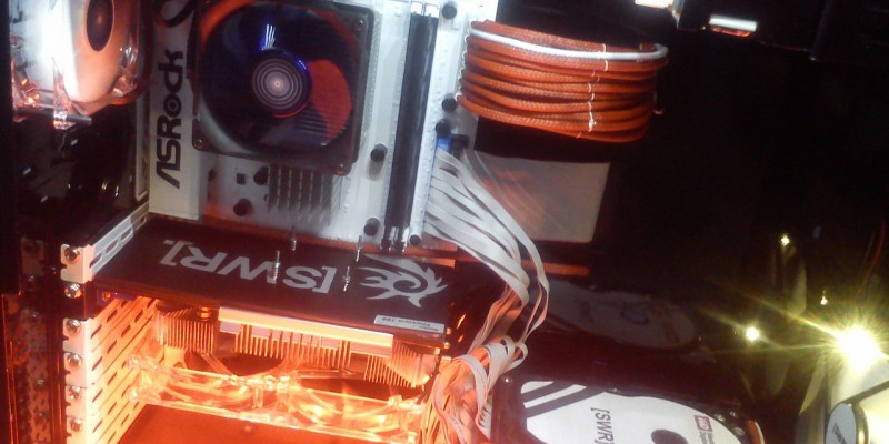 Retro-Casemod mit Athlon XP: Blood Red Sleeve meets White Cover (8)